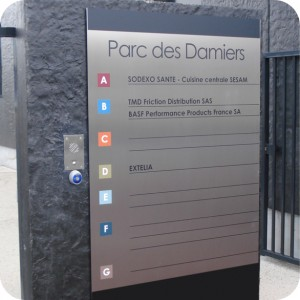 Fabricant de signalisation en belgique apl for Fabricant panneau publicitaire exterieur